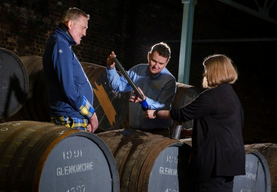 Doddie Weir sampling Glenkinchie single malt for My Name5 Doddie Foundation bottling.